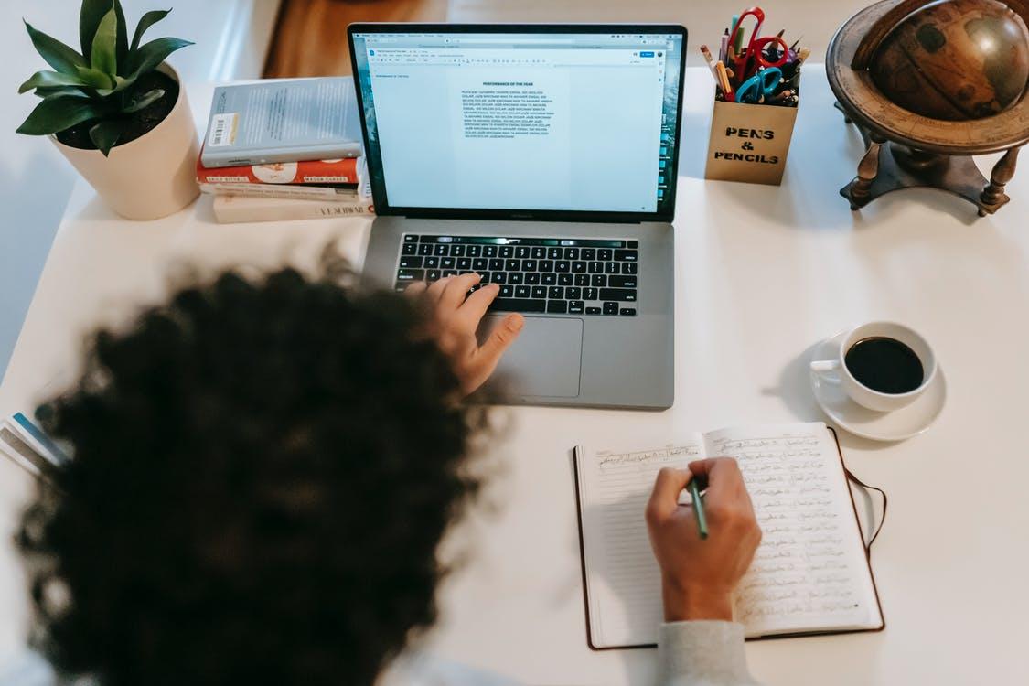Notebook žena prác