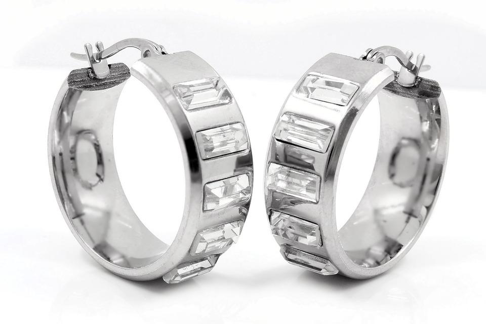 earrings-734677_960_720