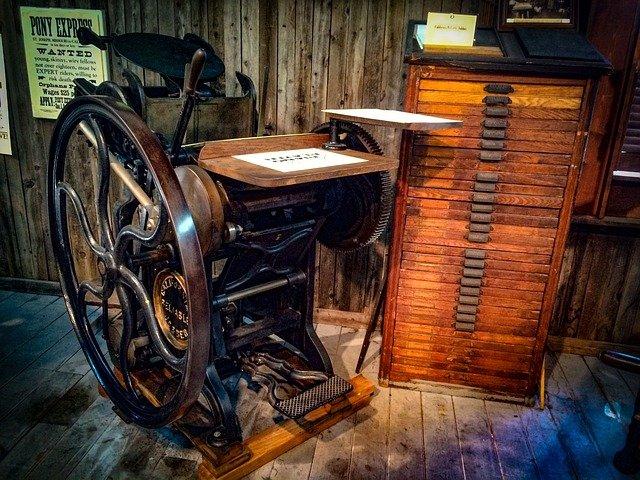 Starý tiskařský stroj